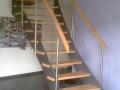 durchgeläserte-Stahlwangentr.-ES-Seilsystem-ES-Pfosten-Holzhandlauf
