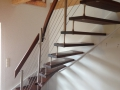 einseitig-aufgebolzt-Thermoesche-bzw.-Buche-weiß-ES-Geländer-Stufenfolien