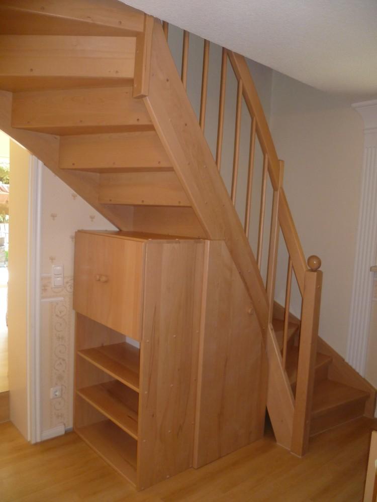 eingestemmt-mit-Treppenunterschrank-1